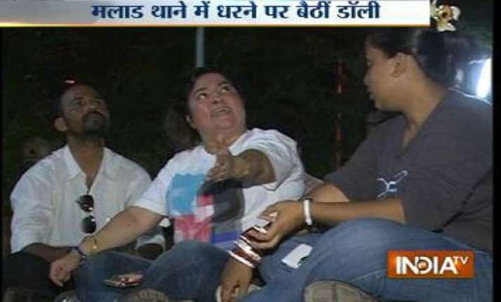 dolly bindra s midnight drama
