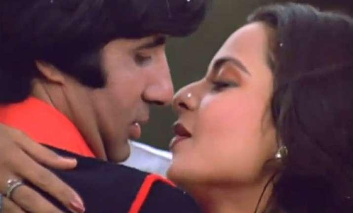 eight great romantic scenes of big b with rekha