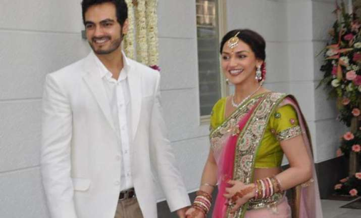 esha deol to wed in temple on june 29