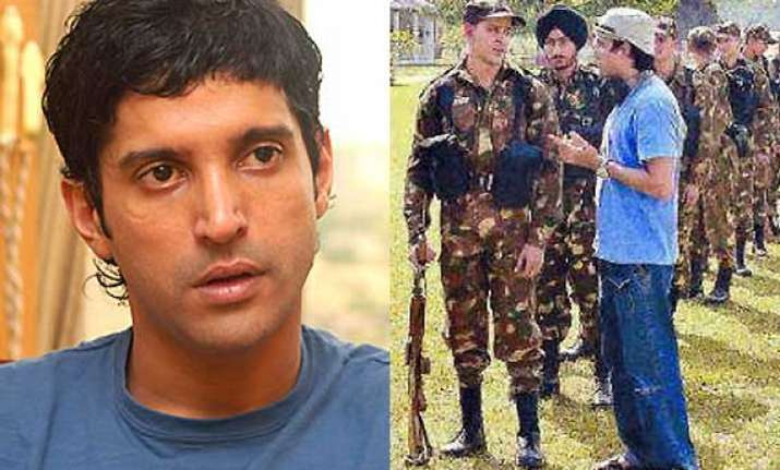 farhan akhtar gets as lakshya completes 10 years