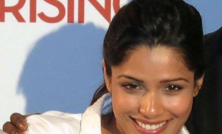 freida pinto brings girl rising to india