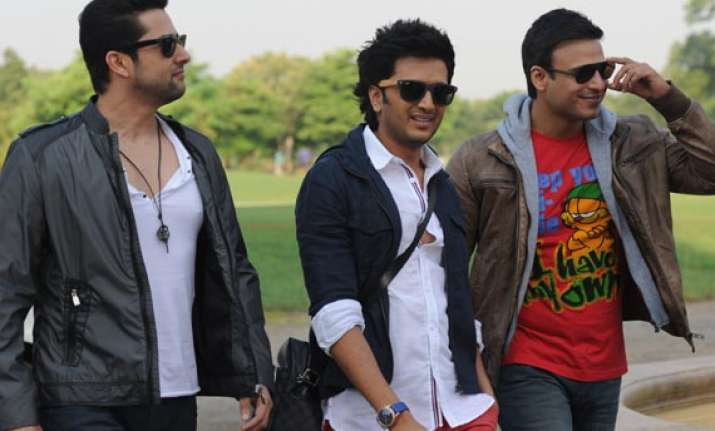 grand masti clears censor board exam all set for august end