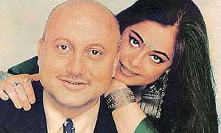 happy 28th anniversary anupam wishes kirron view pics of