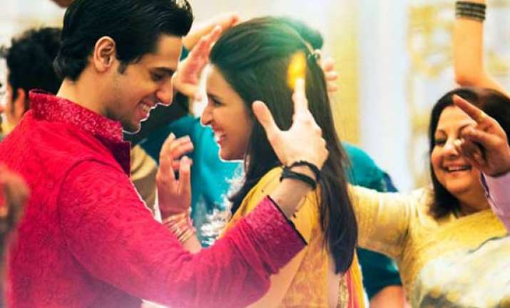 hasee toh phasee movie review it s just parineeti siddhath