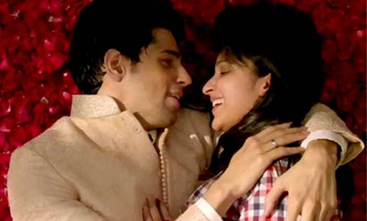 hasee toh phasee box office rs 11.10 cr in two days