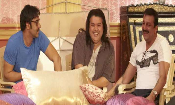 himmatwala team gets surprise visitor in hyderabad