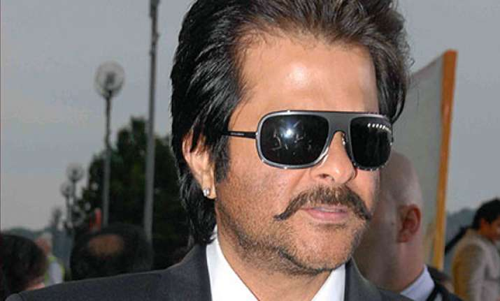 hollywood and bollywood should work closely anil kapoor