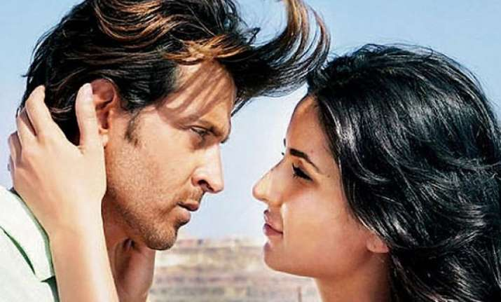 hrithik roshan katrina stuck at athens airport for 18 hours