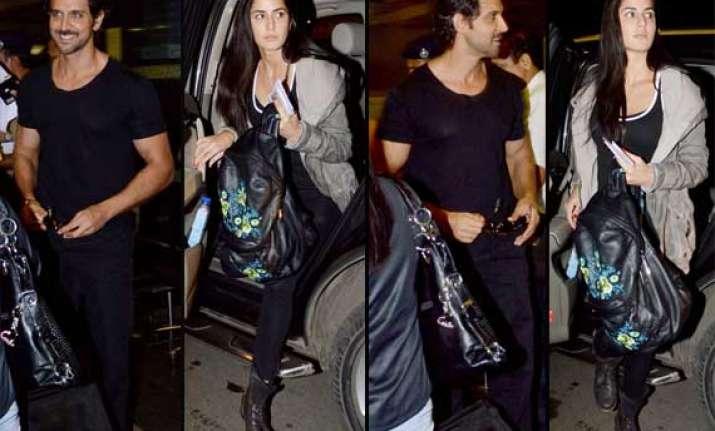 hrithik and katrina spotted at airport view pics