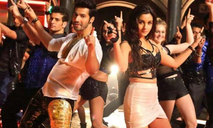 humpty sharma ki dulhania collects rs 44.74 cr in five days