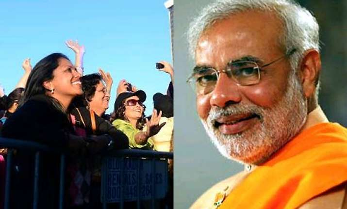 iifa 2014 indian crowd chants modi slogans at tampa bay see