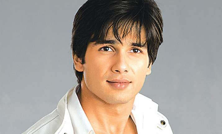 i am available for marriage says shahid kapoor