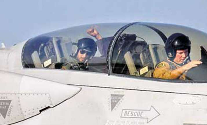 i m the only hero to fly a f 16 shahid kapur