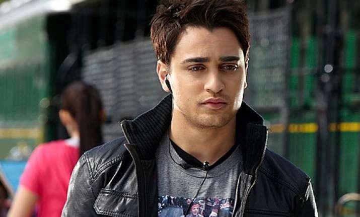 imran khan loses his bag of clothes at dubai airport