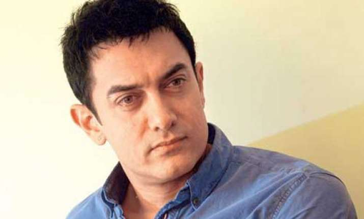 aamir khan discusses malnutrition with nepal pm