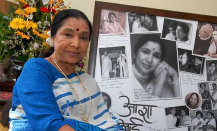 hindustan belongs to all says asha bhosale