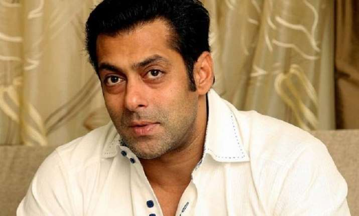 on eid salman khan attends last rites of family friend nm