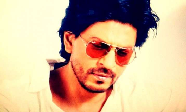 here s how shah rukh khan replied to a abuser on twitter
