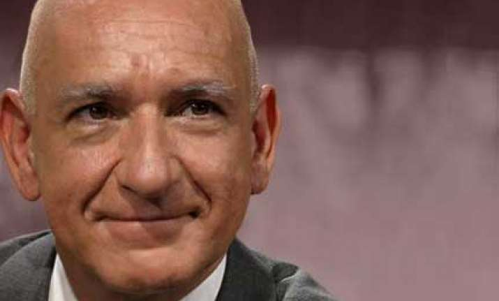 sir ben kingsley to attend iffi inauguration