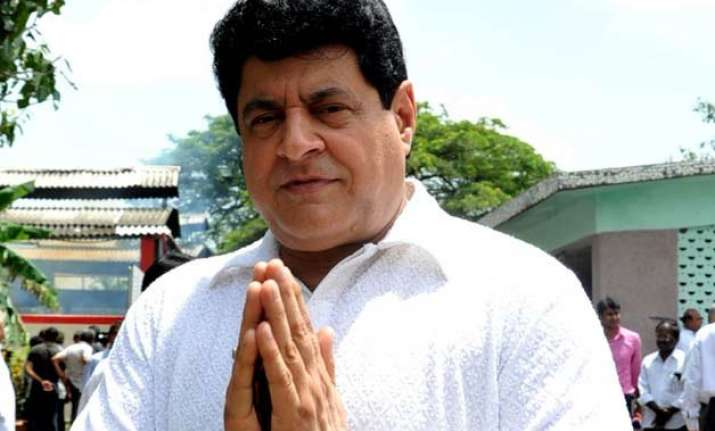 ftii row bollywood list opposing gajendra chauhan s