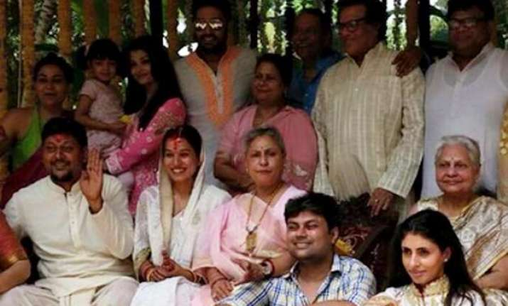 aishwarya abhishek jaya attend family wedding sans amitabh