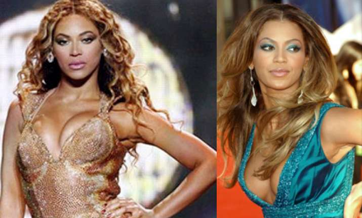 beyonce knowles beats lindsay lohan in dressing room tussle