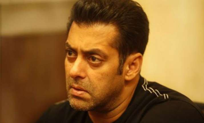 salman khan approaches police over objectionable whatsapp