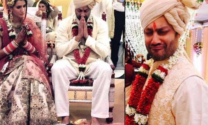 rock on director abhishek kapoor marries pragya yadav see