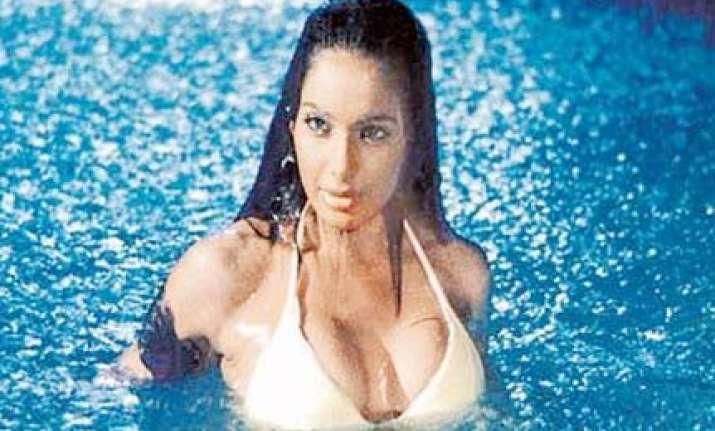 why bipasha can t swim in goa