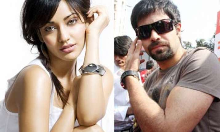 emraan back as a flirt in crook it s good to be bad