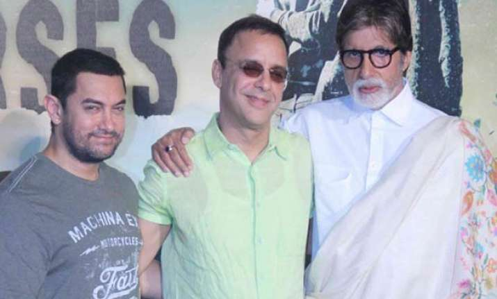 vidhu vinod chopra aims to make film with big b aamir