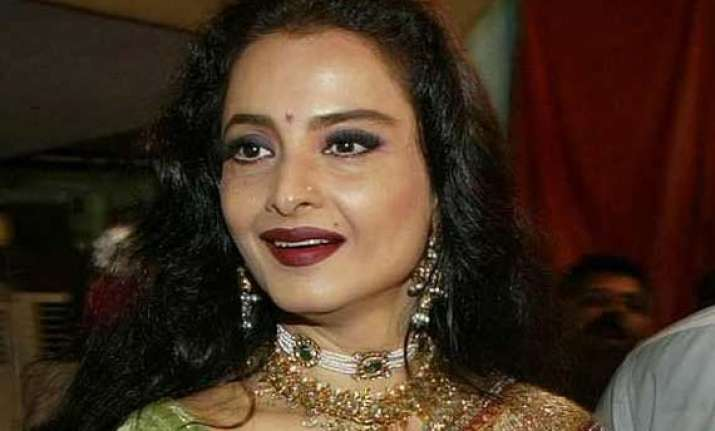 rekha s secret behind her ageless beauty