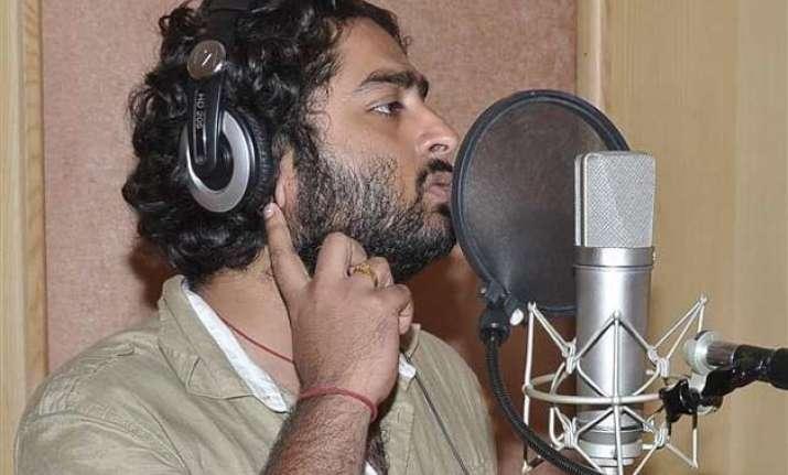 arijit singh makes his tamil debut with pugazh
