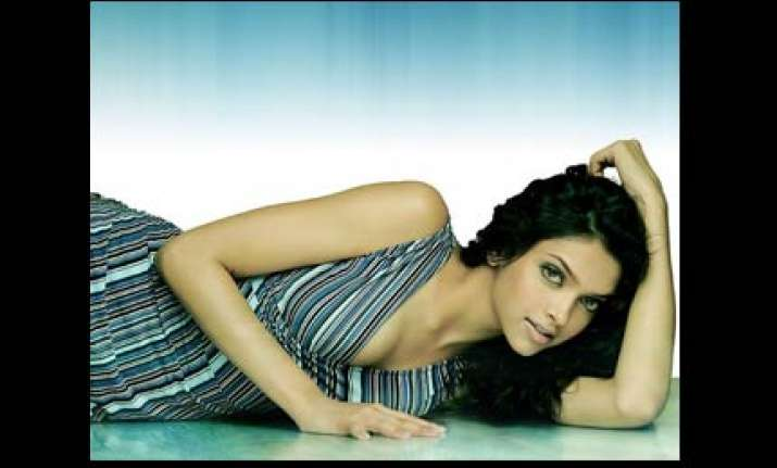 after sea diving deepika wants to learn sky diving