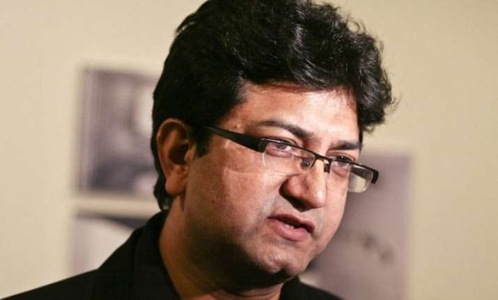 prasoon joshi feels humbled and motivated on winning padma