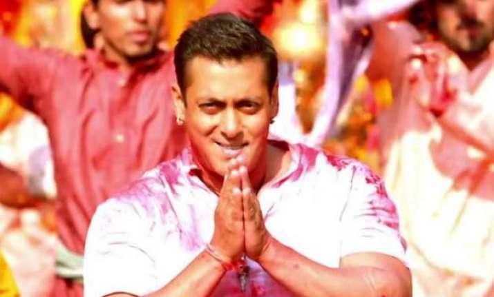 bajrangi bhaijaan teaser bollywood cheers for salman khan