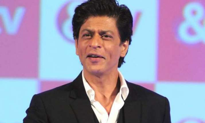 srk s tribute to raj kapoor on his tv show