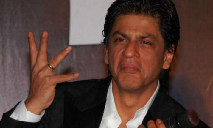 fed up of being misunderstood srk refuses to make political