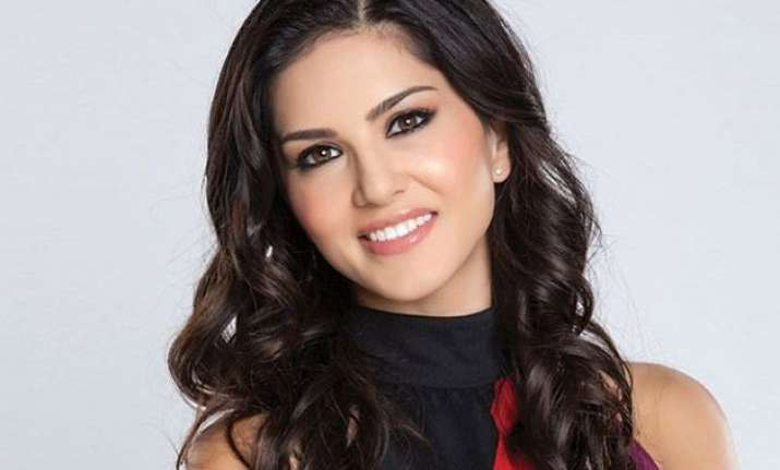 sunny leone slams rakhi celina s useless comments