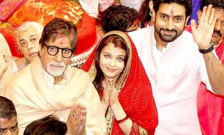 amitabh aishwarya abhishek visit lalbaughcha raja sans jaya