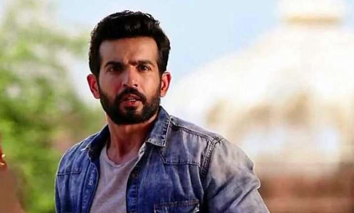 actor jay bhanushli chooses work over health