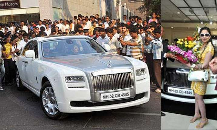 Sanjay Dutt Gifts Manyata A Rolls Royce | Bollywood News – India