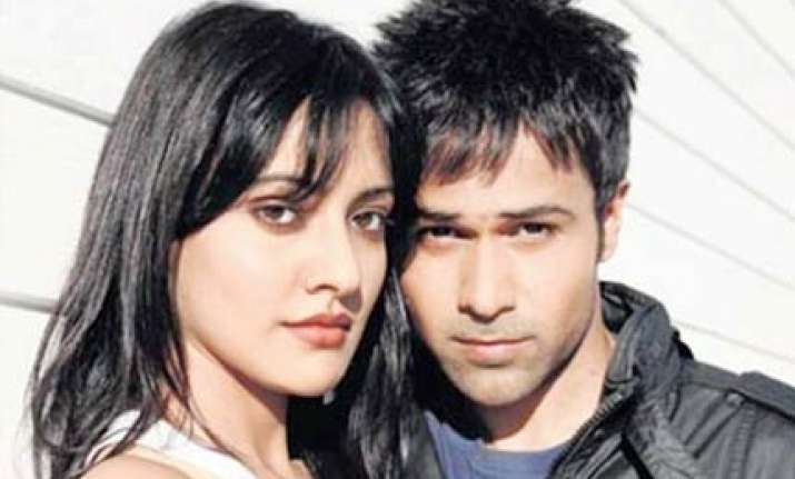 emraan starrer crook is based on racism in australia