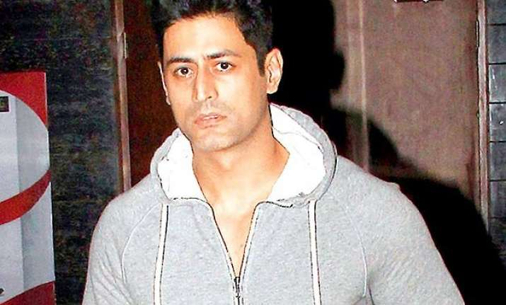 mohit raina aka mahadev of indian tv files complaint