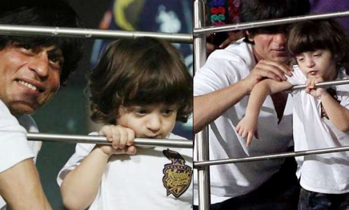 ipl 8 shah rukh khan does the lap dance with abram in