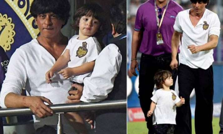 shahrukh s son abram poses like his father