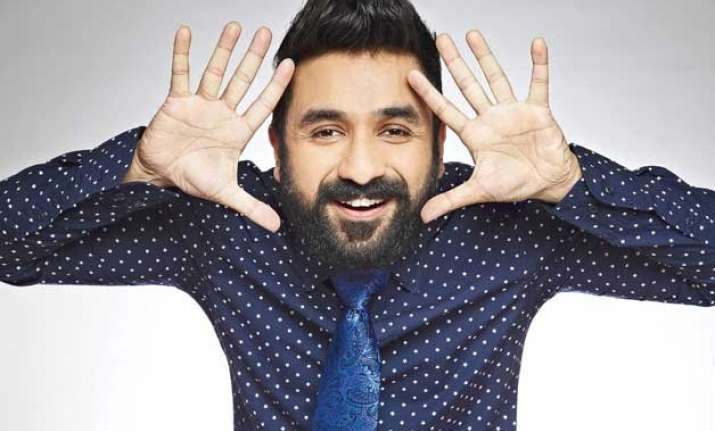 vir das on cloud 9 after us comedy management company signs