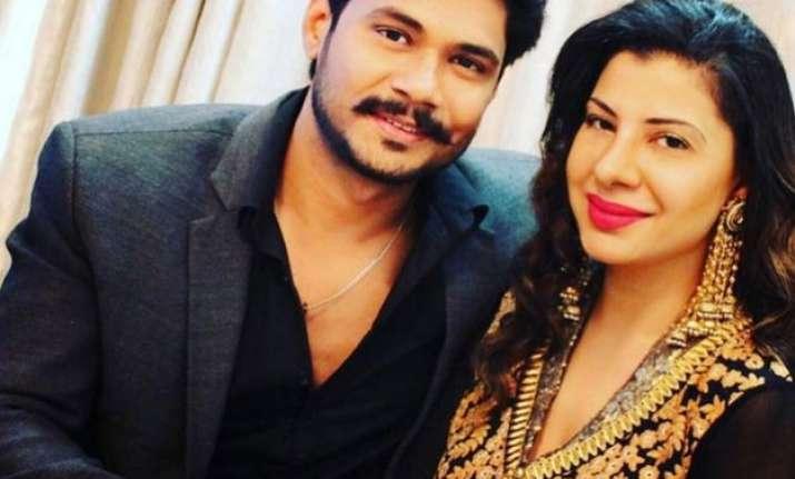 bigg boss ex contestant sambhavna seth gets engaged see pics