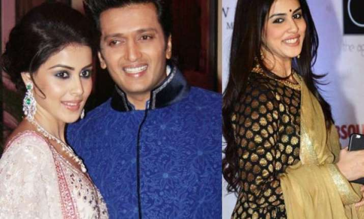 see pics riteish deshmukh makes soon to be mom genelia feel