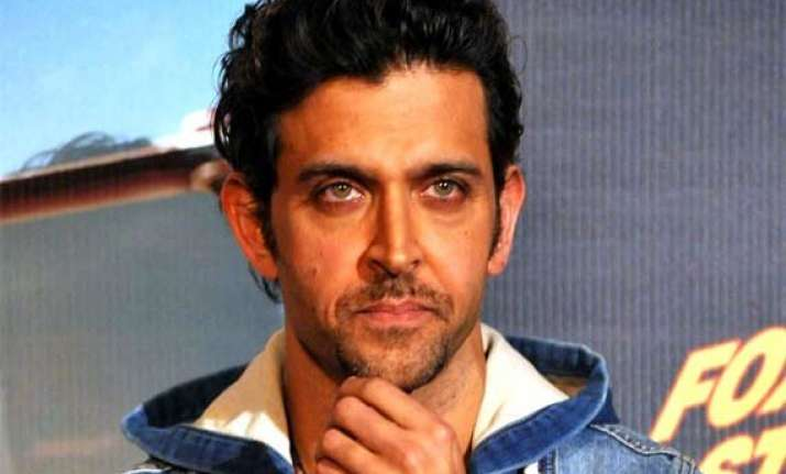 hrithik roshan films with mixed reviews cross rs.100 crore